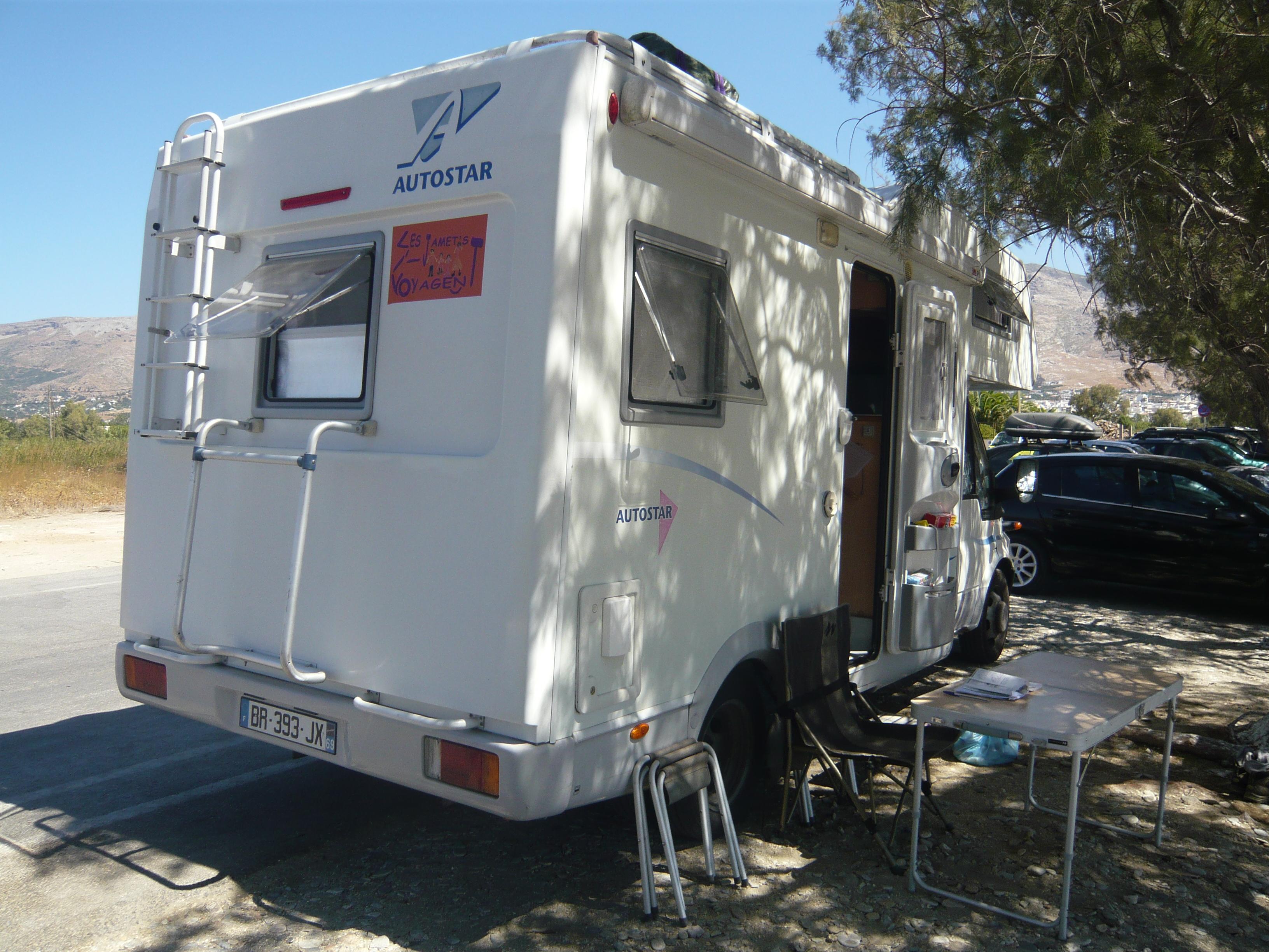Le camping car les jamet 39 s voyagent for Table exterieur pour camping car